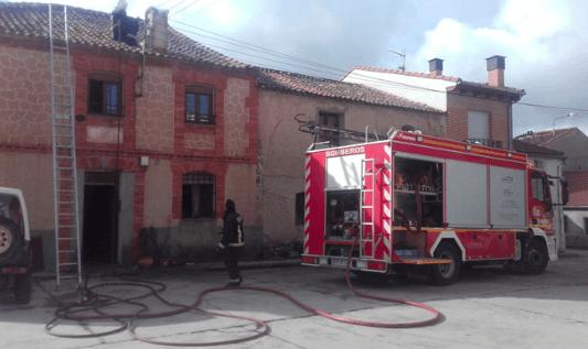 Un pequeño incendio afecta a un domicilio de Lastras de Cuéllar